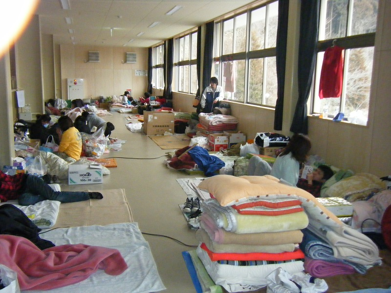 高田第一中学校避難所二階